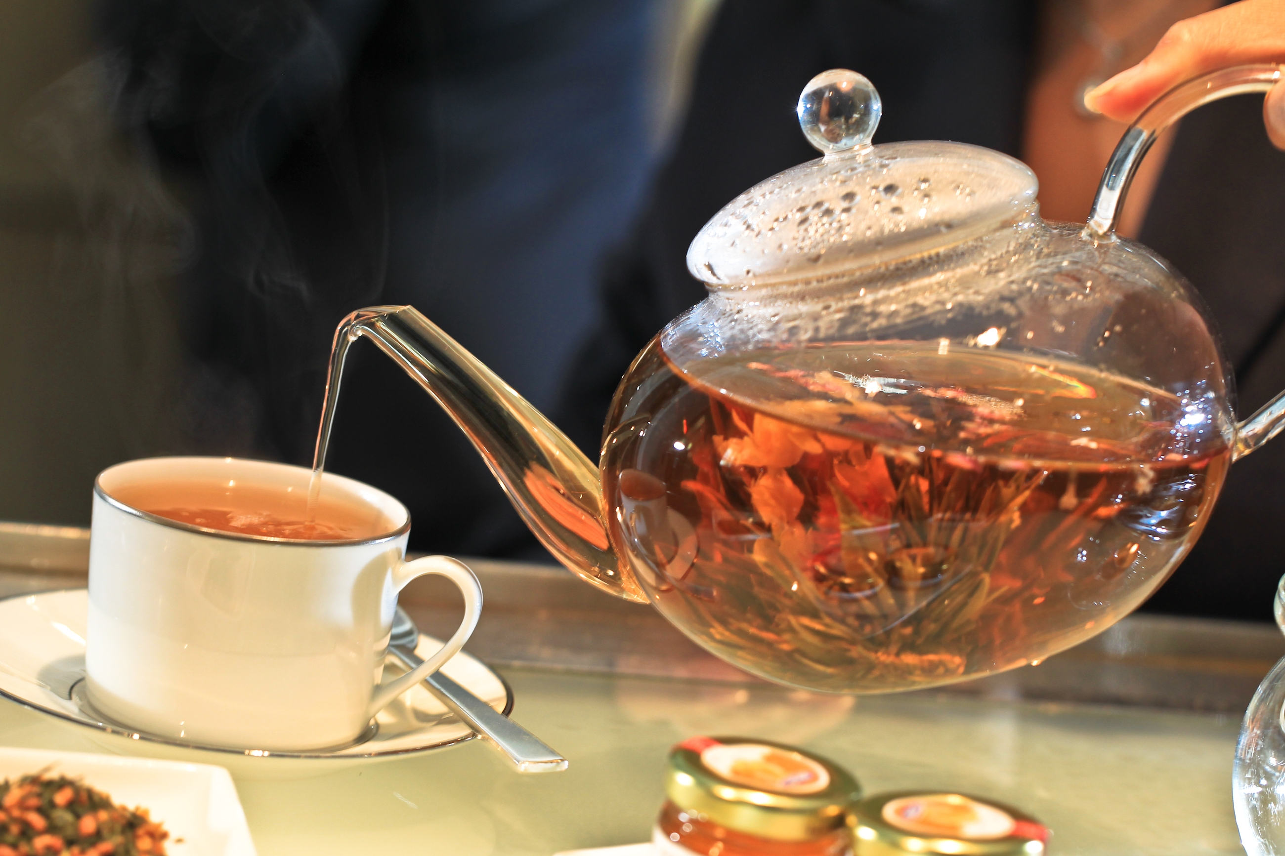 5 Teas That Help Control Mood Swings And Negative Thoughts : Healthy Holistic Living