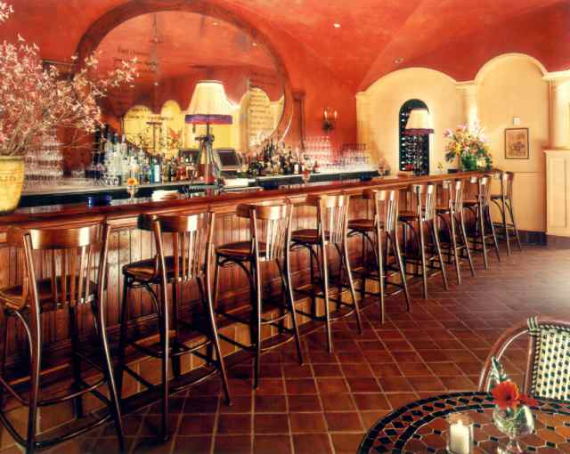 La Silhouette And Noir Two Terrific French Restaurants In
