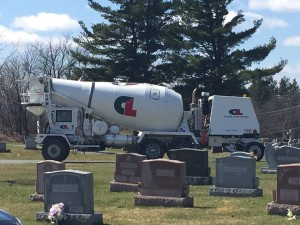A Surprising Homage: A Clemente Latham Concrete Mixer Showed Up to Pay Respects at the Cemetery